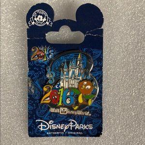 Disney Parka 2016 Pin Orange Castle New